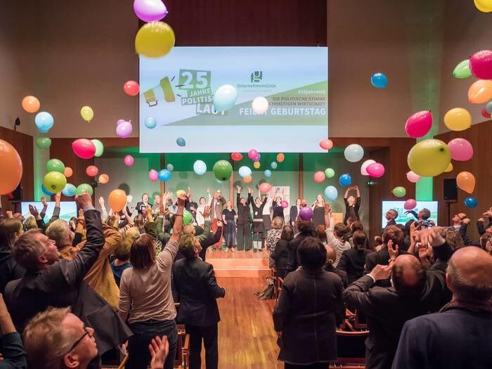 LOGO_25 Jahre politische Lobbyarbeit für nachhaltige Unternehmen