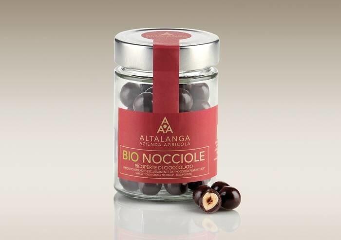 LOGO_HAZELNUTS COATED IN EXTRABITTER CHOCOLATE
