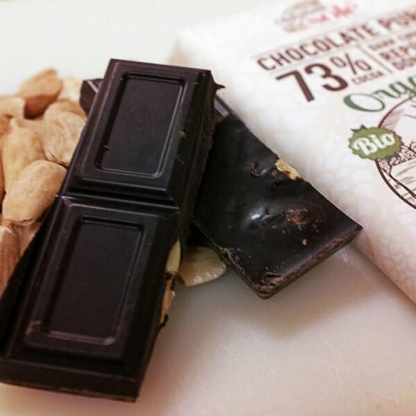 LOGO_Dark Chocolate 73% with almonds