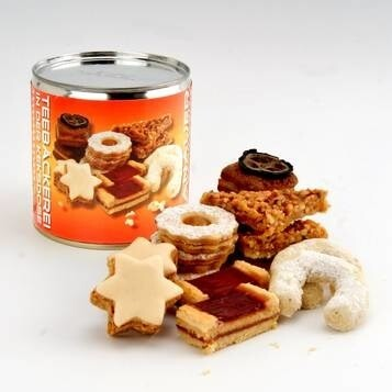 LOGO_TEA BISCUITS in a COOKIE CAN