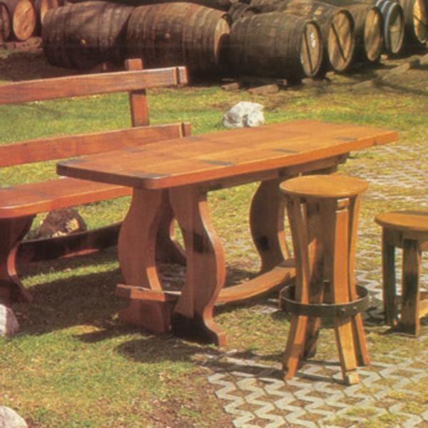 LOGO_Rustikale Sitzgruppe aus original Fassteilen