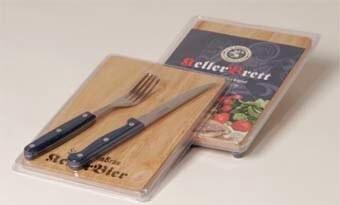LOGO_Brotzeitbrett aus Holz mit Gabel & Messer