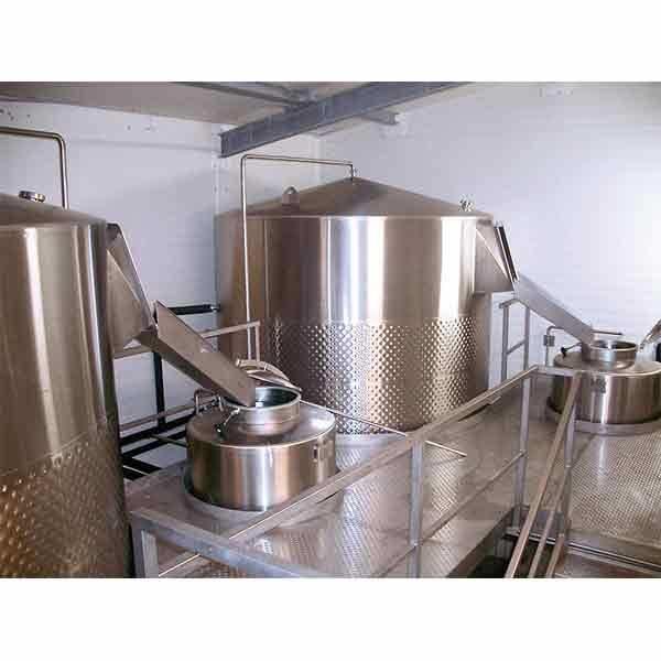 LOGO_Wheatbeer Fermentation vat with yeast tank