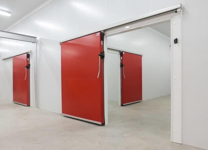 LOGO_isomasters light sliding cold room doors