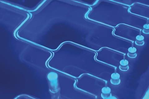 LOGO_Kältemitteleffizienter Verteiler für Mikro-Kanalverdampfer