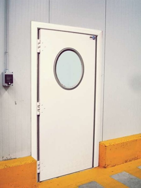 LOGO_Swing Doors made of painted steel, stainless steel, polypropylene or polyethylene