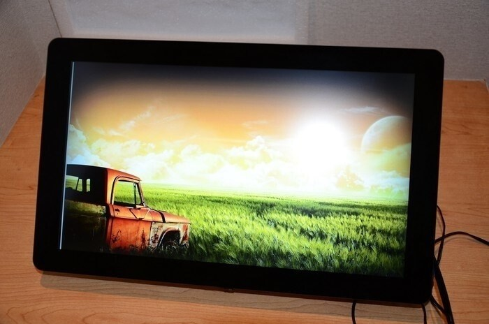 LOGO_Sunlight readable display system for industry and signage