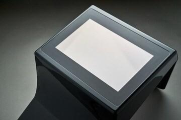 LOGO_Analog-resistiver Touchscreen 7'' mit PU Schaum Gehäuse in Klavierlack-Optik