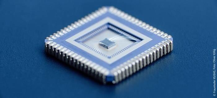 LOGO_AMS IC-Design mit Intelligent IP
