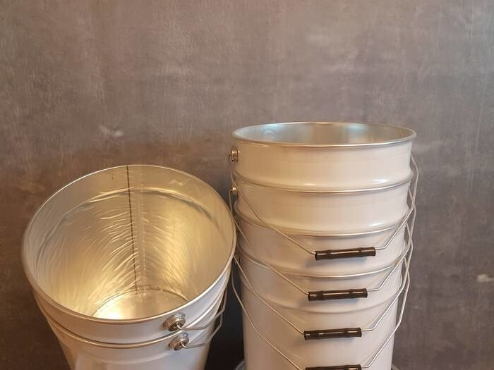 LOGO_Pails with inserted PVC inliner