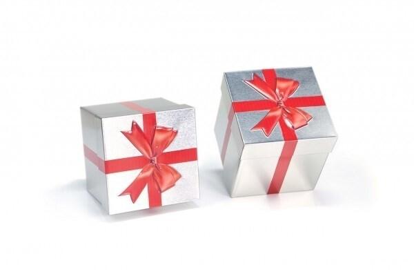 LOGO_Geschenkdose mit exklusiver Prägung und Druck