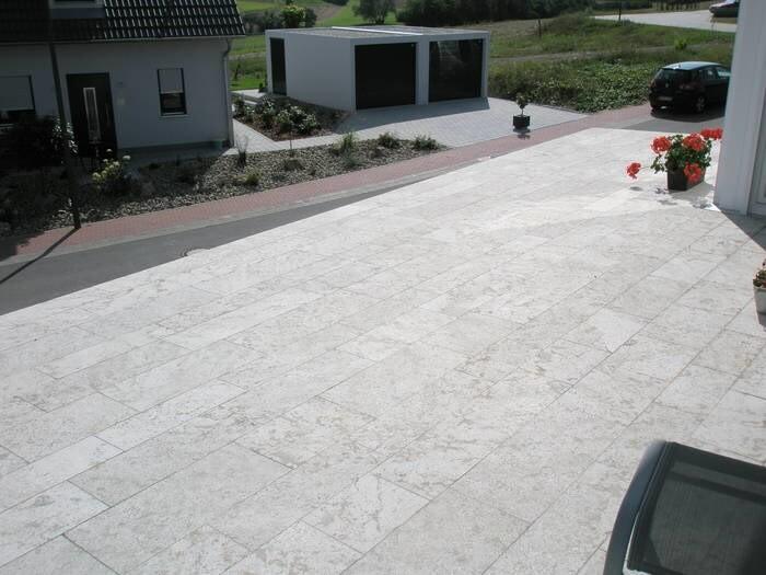 LOGO_Bodenplatten für Terrassenbeläge aus Muschelkalk