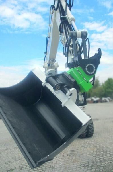 """LOGO_Der HKS """"TiltRotator"""" - Anbaugerät für Baumaschinen"""