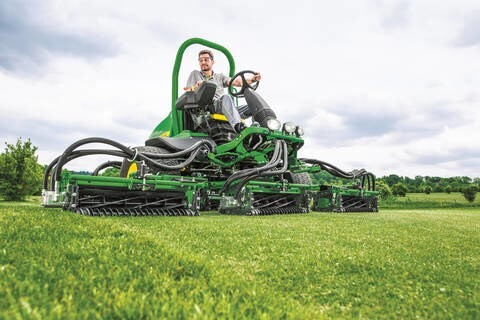 LOGO_John Deere führt neue Mäher für die Golfplatzpflege ein: Fairwaymäher 7500A – 9009A