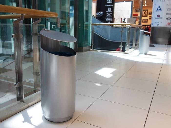 LOGO_Tubo V Large waste bins / ashtrays