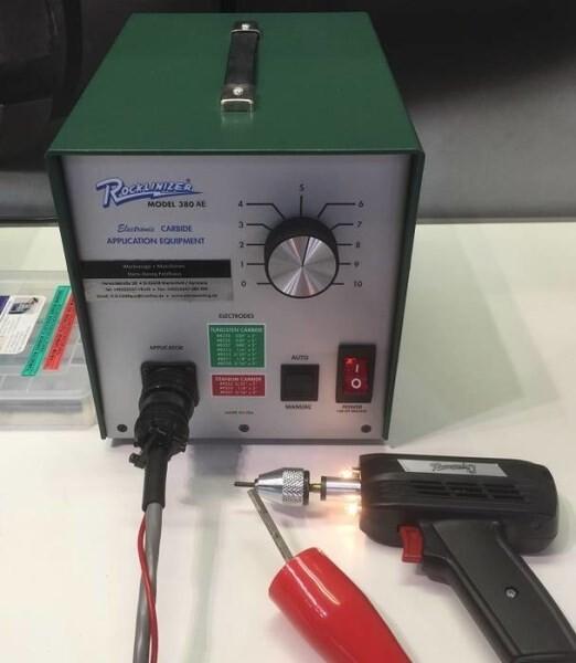 LOGO_Rocklinizer Modell 380AE - Rocklinizer Hartmetallbeschichtungsgeräte: schutzimprägnieren die Werkzeugoberfläche mit einer Schicht Aus verschleißfestem Hartmetall