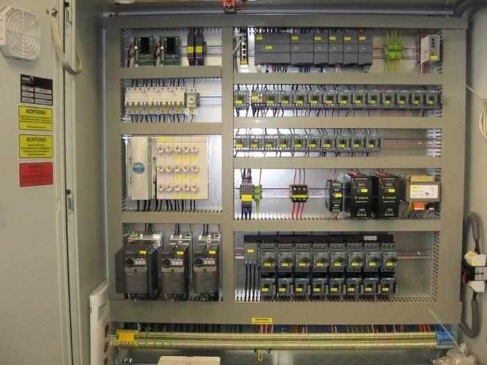 LOGO_Schaltschrank mit elektrischer Steuerung