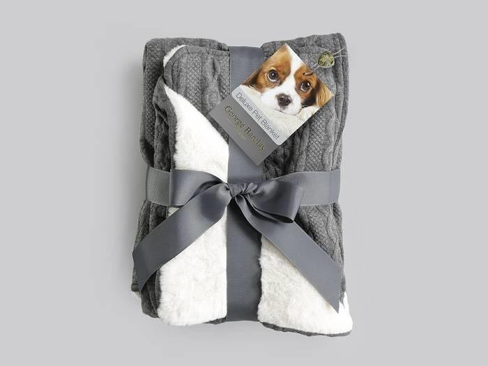 LOGO_Aran Knit, Deluxe Pet Blanket
