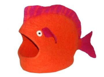 LOGO_FISH CAVE, ORANGE
