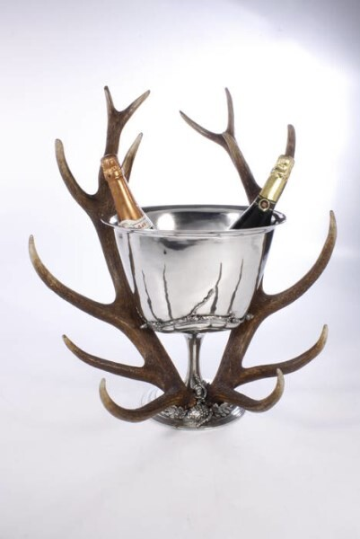 LOGO_OVAL CHAMPAGNE HOLDER WITH REAL DEER HORN