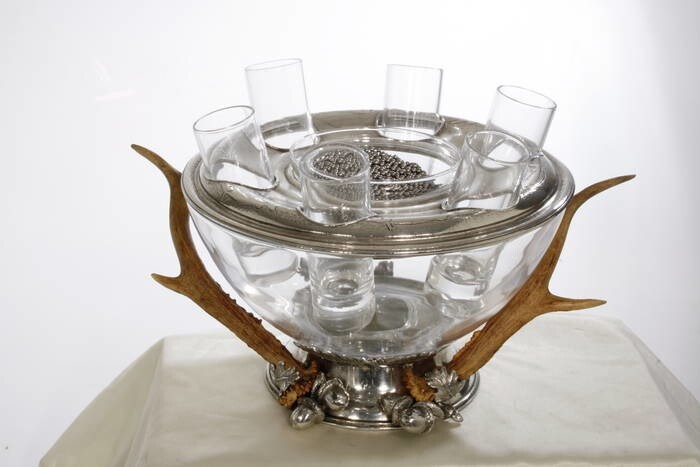 LOGO_vodka-caviar set in glass, pewter and real horn