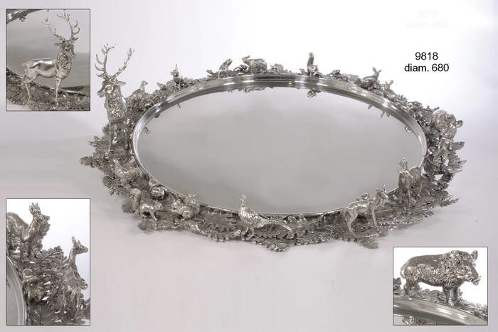 LOGO_BIG PEWTER TRAY WITH HUNTING SCENES (diameter 68 cm)