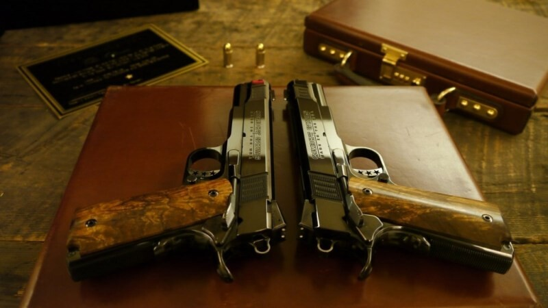 LOGO_Mirror Image Pistol Set