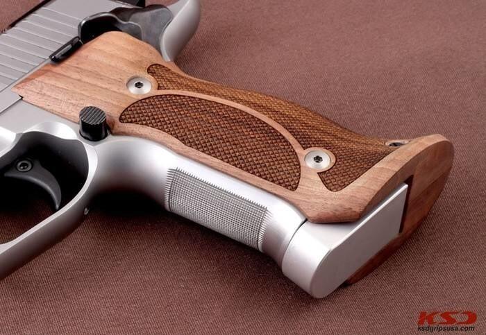 LOGO_SigSauer X5 & X6 Target Grips