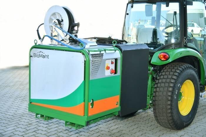 LOGO_BioMant Compact BE Heißwassergerät zur Wildkrautbeseitigung / Unkrautbekämpfung auf Traktor