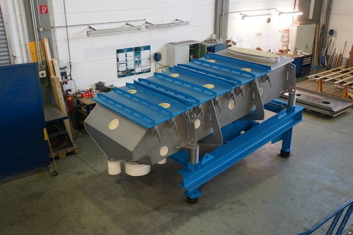 LOGO_Agglomerate separator with dust siftingfor the plastic industry – Capacities up to  80 t/h