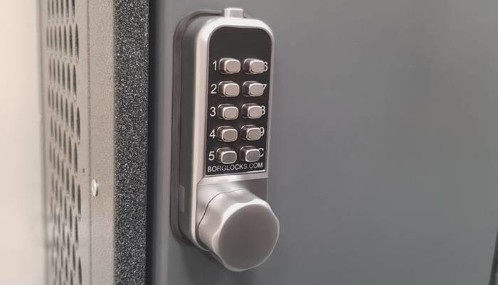 LOGO_BL1506 – Mini cabinet lock with internal cam mechanism