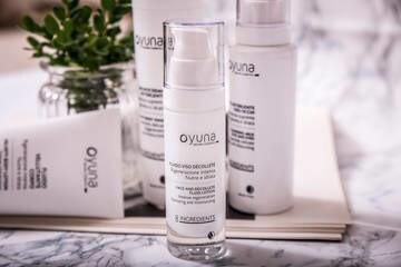 LOGO_OYUNA 8INGREDIENTS - Fluid für Gesicht und Dekolleté - Intensive Regeneration Spendet Nährstoffe und Feuchtigkeit